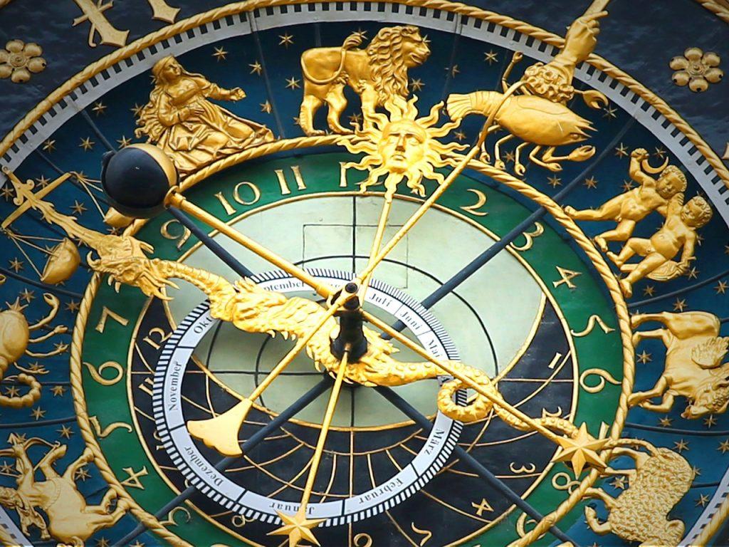 ===Tu horoscopo lo dice todo=== - Página 6 Astronomical-clock-408306_1280-1024x768